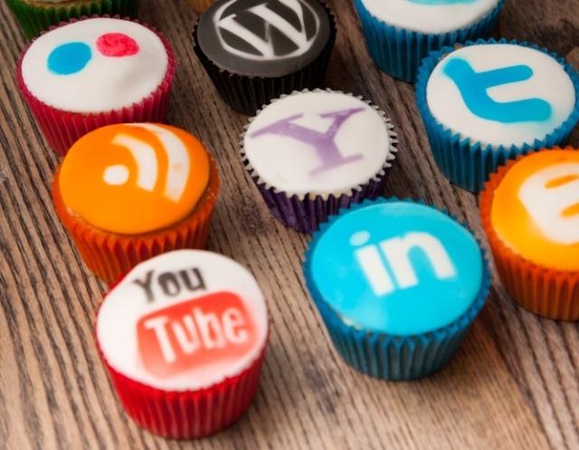 socialMediacupcakes